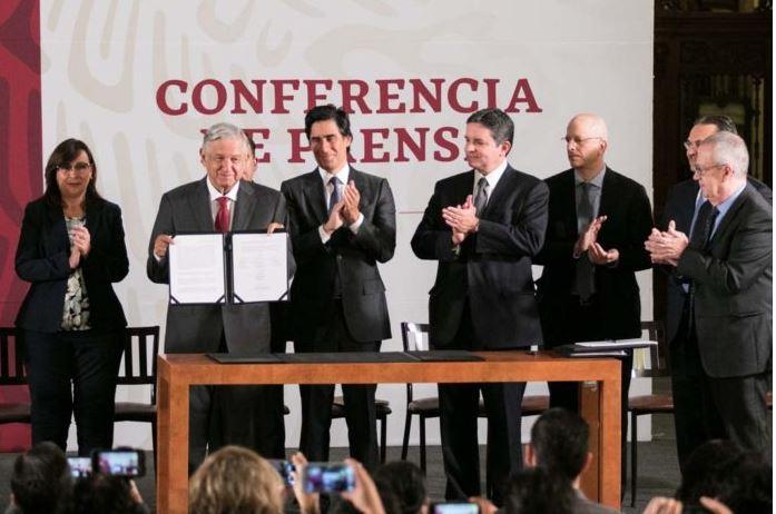 Contratan fondo revolvente para Pemex por 8 mil mdd