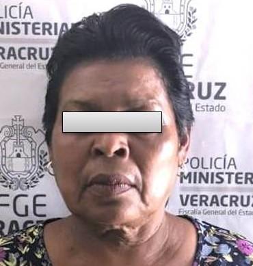 DETIENEN A LÍDER DE MUJERES DE LOS 400 PUEBLOS