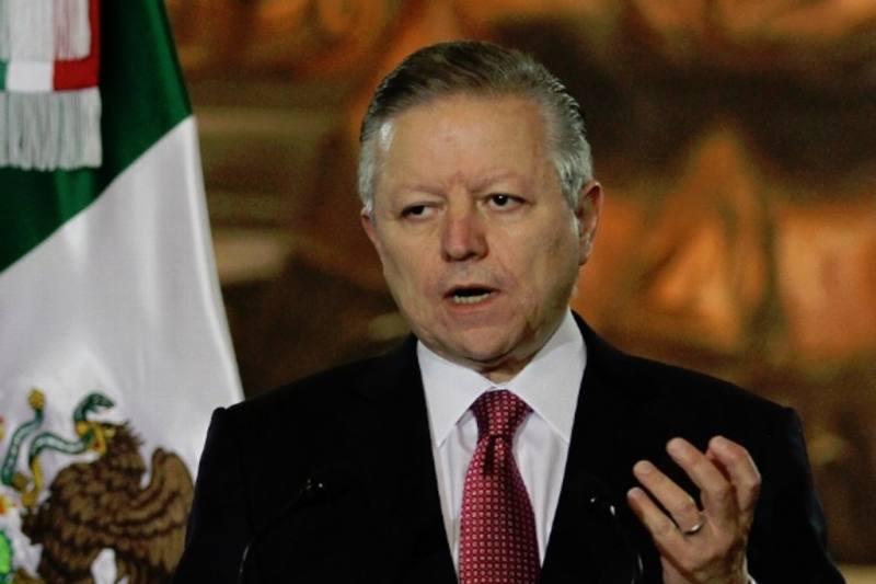 Renuncia de Medina Mora fue decisión personal: Arturo Zaldívar