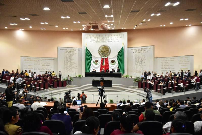 """Presentan """"Ley Cisneros""""; PRI dice que no tiene dedicatoria"""