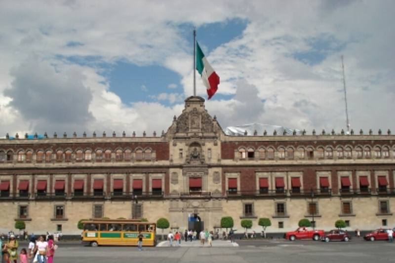 AMLO cita a su Gabinete en Palacio Nacional